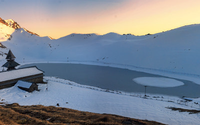 Prashar Lake:Story of a winter snow trek