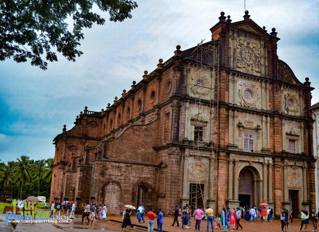 Basilica of Bom Jesus - From outside