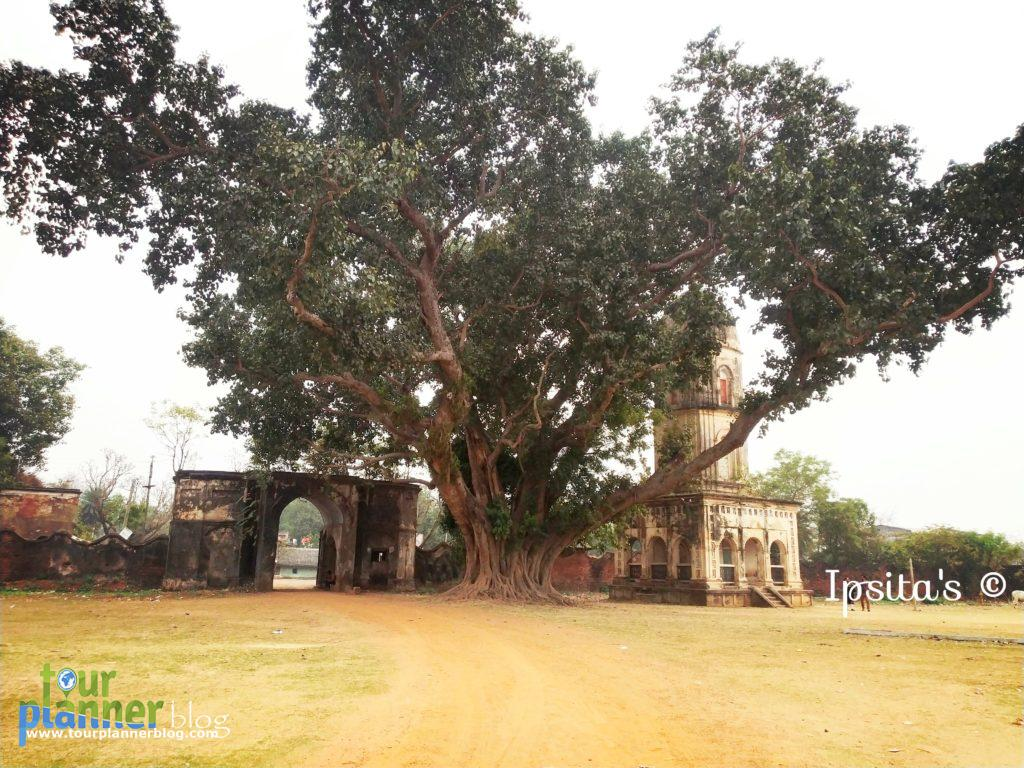 Entrance of Chilkigarh Palace - jhargram