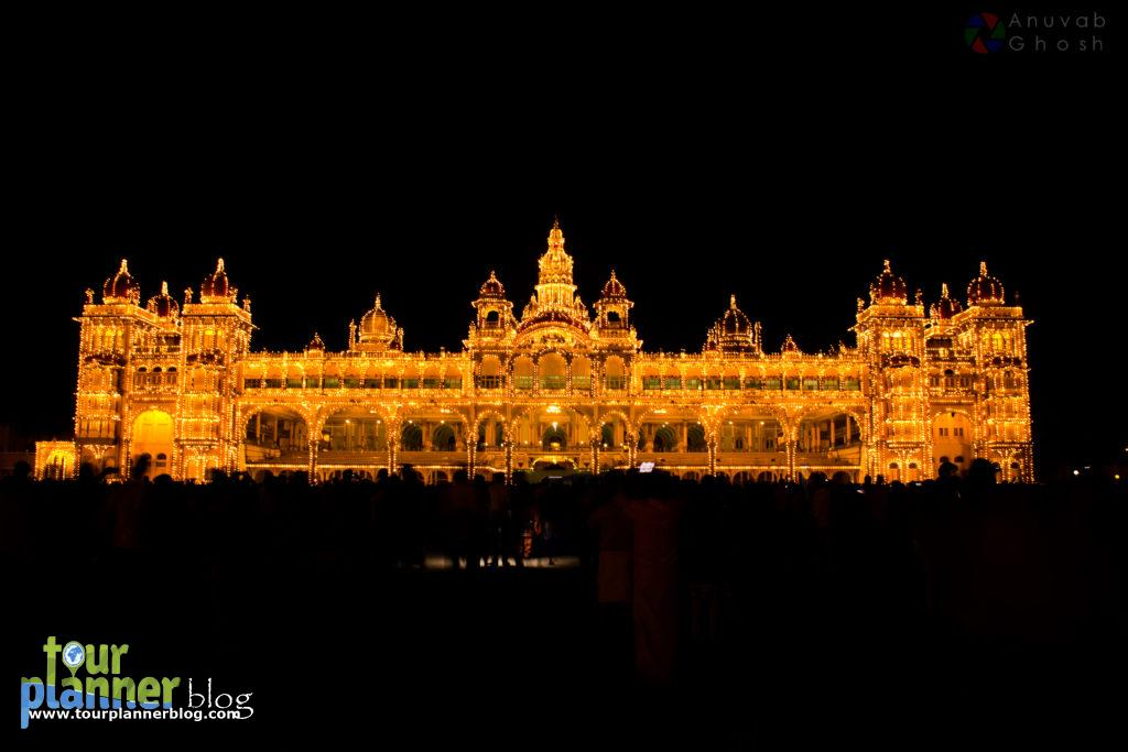 Evening view of Mysore Palace